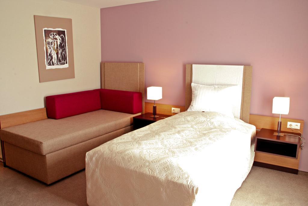 Hotel impiq *** Trnava 08 - Business
